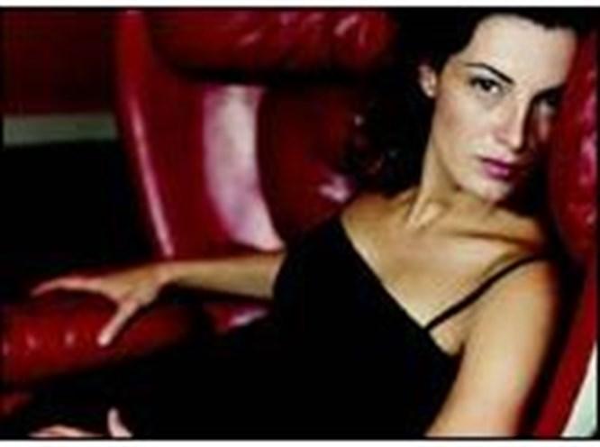 Monica Molina geliyor